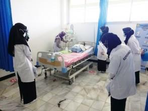 Mahasiswa Program Studi Keperawatan Program Sarjana Praktikum Matakuliah Keperawatan Gawat Darurat dan Keperawatan Kritis