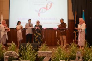 Mahasiswa Prodi S-1 Ilmu Gizi menyelenggarakan Seminar Gizi Nasional