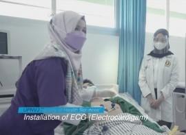 Installation_of_ECG_(Electrocardigam).jpg