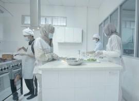 Praktek_Kuliner_di_Lab_Kuliner.jpg